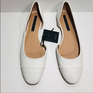 NWT Zara Trafalauc Women's white open side flats .